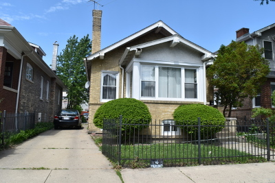 Single Family Home For Sale: 4826 North Hamlin Avenue