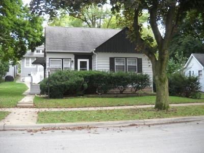 Lemont Single Family Home For Sale: 220 Cass Street