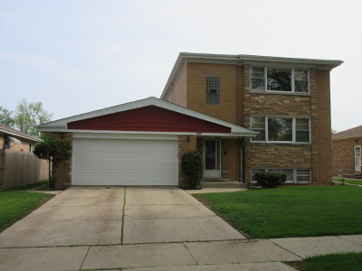 Niles Multi Family Home For Sale: 7449 West Keeney Street