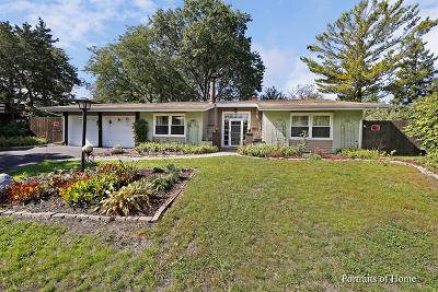 Woodridge Single Family Home For Sale: 4 Halsey Court