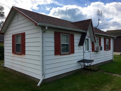Kankakee Single Family Home For Sale: 3651/2 South Main Avenue