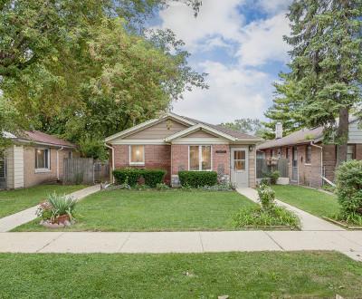 Skokie Single Family Home For Sale: 8411 East Prairie Road