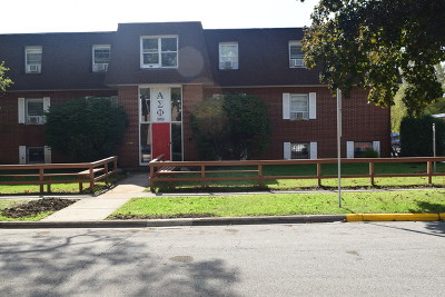Dekalb Multi Family Home For Sale: 918 Kimberly Drive