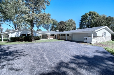 Lake Forest Single Family Home For Sale: 930 Castlegate Court