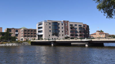 St. Charles Condo/Townhouse For Sale: 10 West Illinois Street #2D
