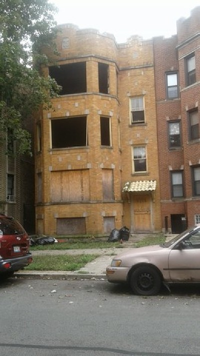 Chicago IL Multi Family Home For Sale: $95,500