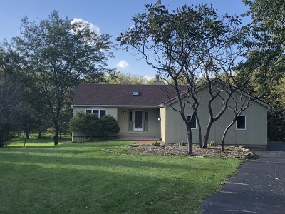 Hampshire Single Family Home Contingent: 15n645 Red Leaf Road