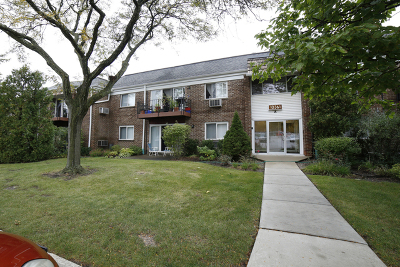 Glenview Condo/Townhouse Re-Activated: 10361 Dearlove Road #1F