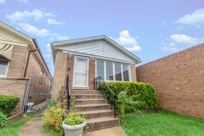 Jefferson Park Place Single Family Home For Sale: 5745 North Elston Avenue