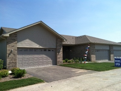Bolingbrook Condo/Townhouse For Sale: 1158 Mandalay Lane #END