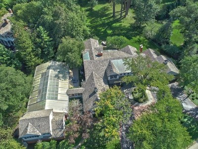 Winnetka Single Family Home For Sale: 10 Longmeadow Road