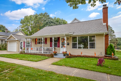 St. Charles Single Family Home For Sale: 205 South 10th Avenue