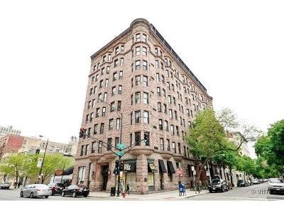 Condo/Townhouse For Sale: 2800 North Pine Grove Avenue #1J