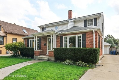 Elmhurst Single Family Home For Sale: 190 East Columbia Avenue