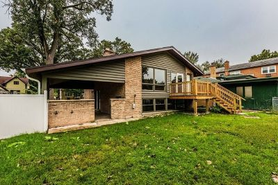 Brookfield Single Family Home For Sale: 3715 Forest Avenue