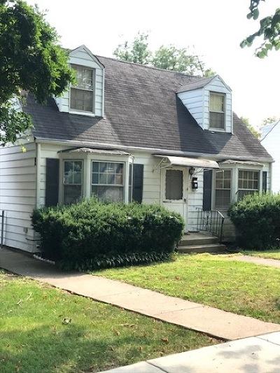 Elmhurst Single Family Home For Sale: 166 East Hale Street