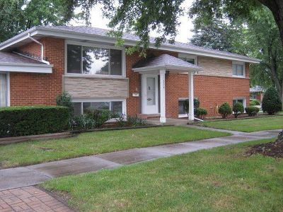 Wood Dale Single Family Home For Sale: 538 Forest Preserve Drive