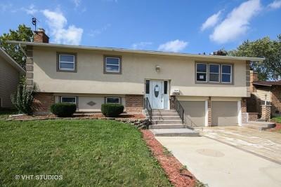 Oak Forest Single Family Home For Sale: 15254 Ventura Street