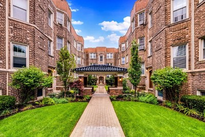 Condo/Townhouse For Sale: 547 West Addison Street #2S