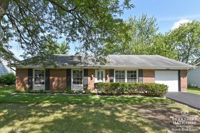 Hanover Park Single Family Home For Sale: 7881 Berkshire Drive