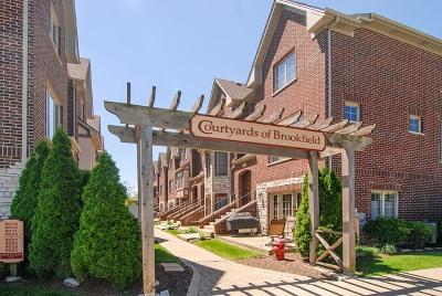 Brookfield Condo/Townhouse For Sale: 4305 Eberly Avenue