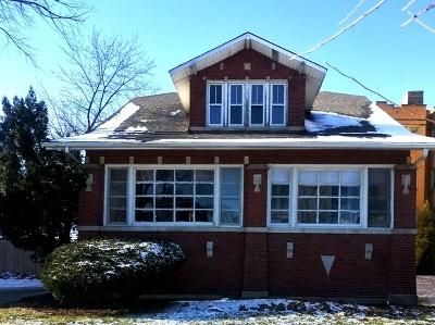 Oak Park Single Family Home For Sale: 1526 North Austin Boulevard