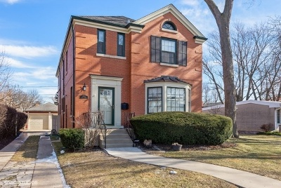 Skokie Single Family Home For Sale: 7643 Lowell Avenue