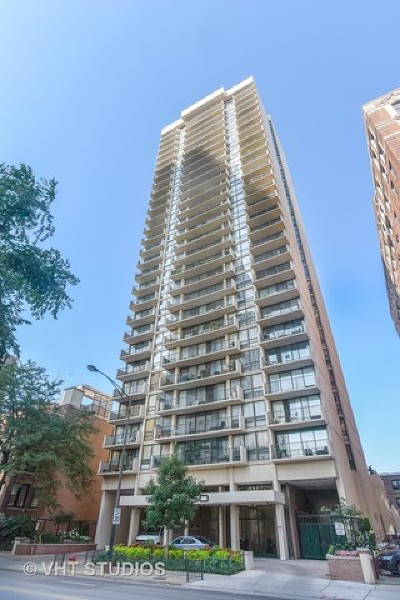 Condo/Townhouse For Sale: 3150 North Sheridan Road #2D