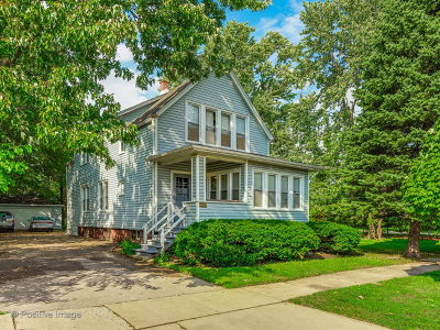 Elmhurst Multi Family Home For Sale: 440 East Berteau Avenue