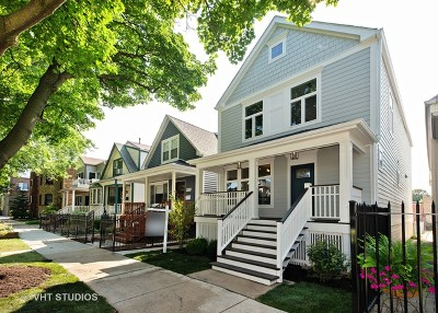 Single Family Home For Sale: 4028 North Maplewood Avenue