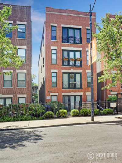 Condo/Townhouse For Sale: 2309 West Chicago Avenue #2
