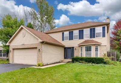 Naperville Single Family Home For Sale: 1147 Lakewood Circle