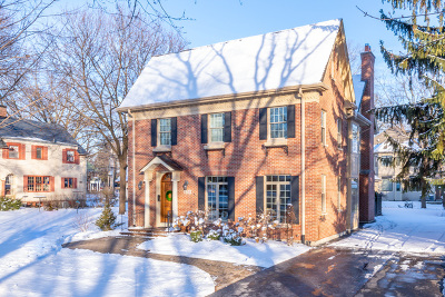 Naperville IL Single Family Home For Sale: $834,900