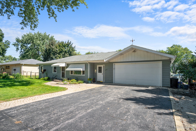 West Chicago Single Family Home For Sale: 0s423 Melolane Drive