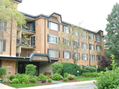Arlington Heights Condo/Townhouse For Sale: 1126 South New Wilke Road #306