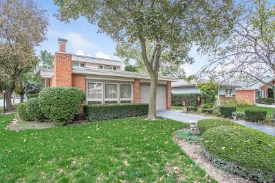 Morton Grove Single Family Home For Sale: 5944 Monroe Street