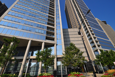 Condo/Townhouse New: 600 North Lake Shore Drive #3210