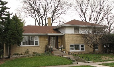 Brookfield Single Family Home For Sale: 2619 Maple Avenue