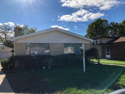 Morton Grove Single Family Home For Sale: 8609 Lillibet Terrace