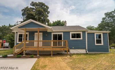 Algonquin Single Family Home For Sale: 9702 May Street