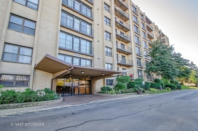 Lincolnwood Condo/Townhouse For Sale: 4601 West Touhy Avenue #803