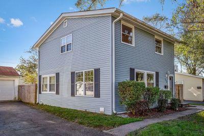 Carpentersville Single Family Home Contingent: 213 Sioux Avenue