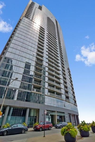 Condo/Townhouse For Sale: 450 East Waterside Drive #309