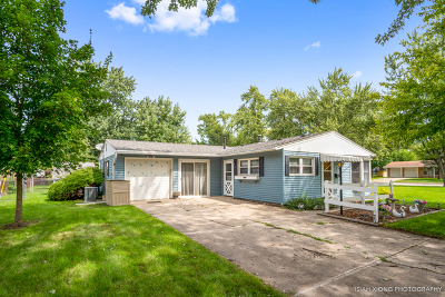 Montgomery Single Family Home For Sale: 11 Saugatuck Road