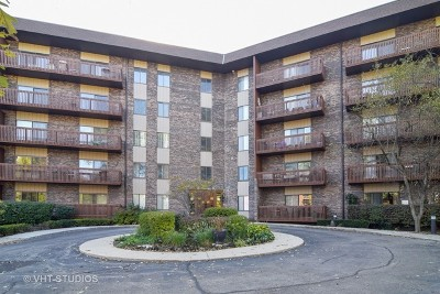 Bloomingdale Condo/Townhouse For Sale: 120 Lakeview Drive #315