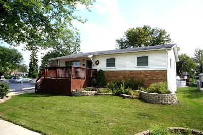 Oak Forest Single Family Home For Sale: 5621 Albert Drive