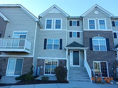Oswego Condo/Townhouse For Sale