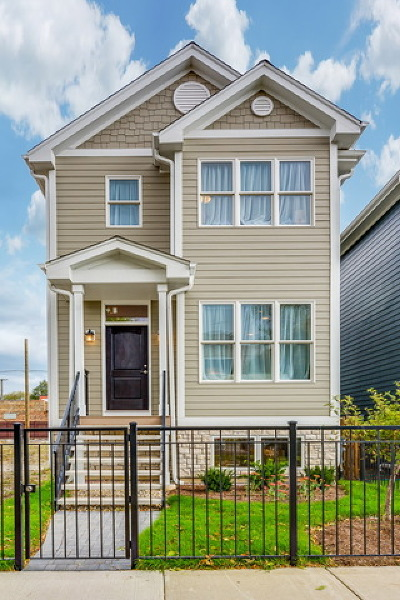 Chicago Single Family Home For Sale: 3605 North Mozart Street