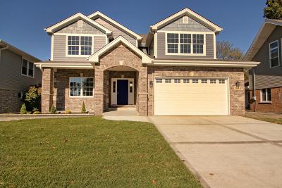 Oak Lawn Single Family Home For Sale: 9928 Elm Circle Drive