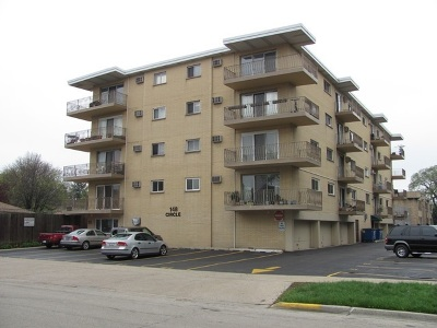 Forest Park Condo/Townhouse For Sale